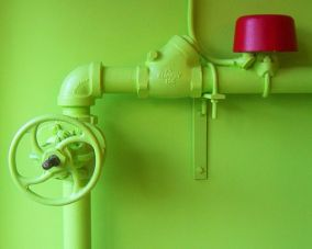 512px-Green_tubes_and_valves